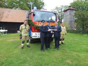 Neues Feuerwehrfahrzeug übergeben